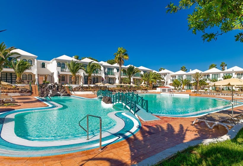 H10 Ocean Dreams Hotel Boutiquе - a family hotel just 300 metres from the white sandy beaches of Corralejo and the sand dunes of the Corralejo Natural Park