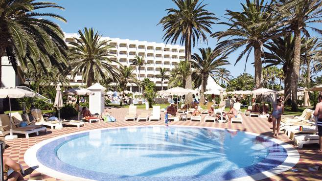 Hotel Riu Palace Tres Islas - 4 star hotel Fuerteventura. The hotel is in front of the beautiful beach of Corralejo