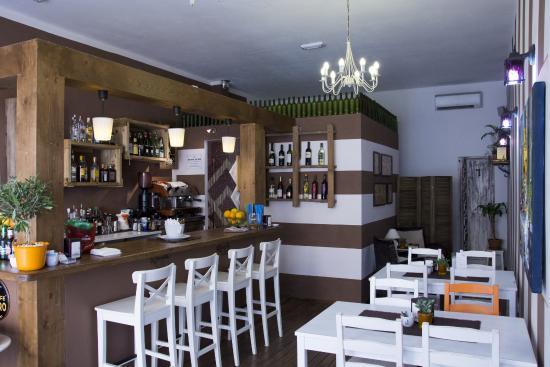Loca Blanca - italian restaurant. Lasagna Bolognese, bruschetta, pizza, spaghetti and very good fish.
